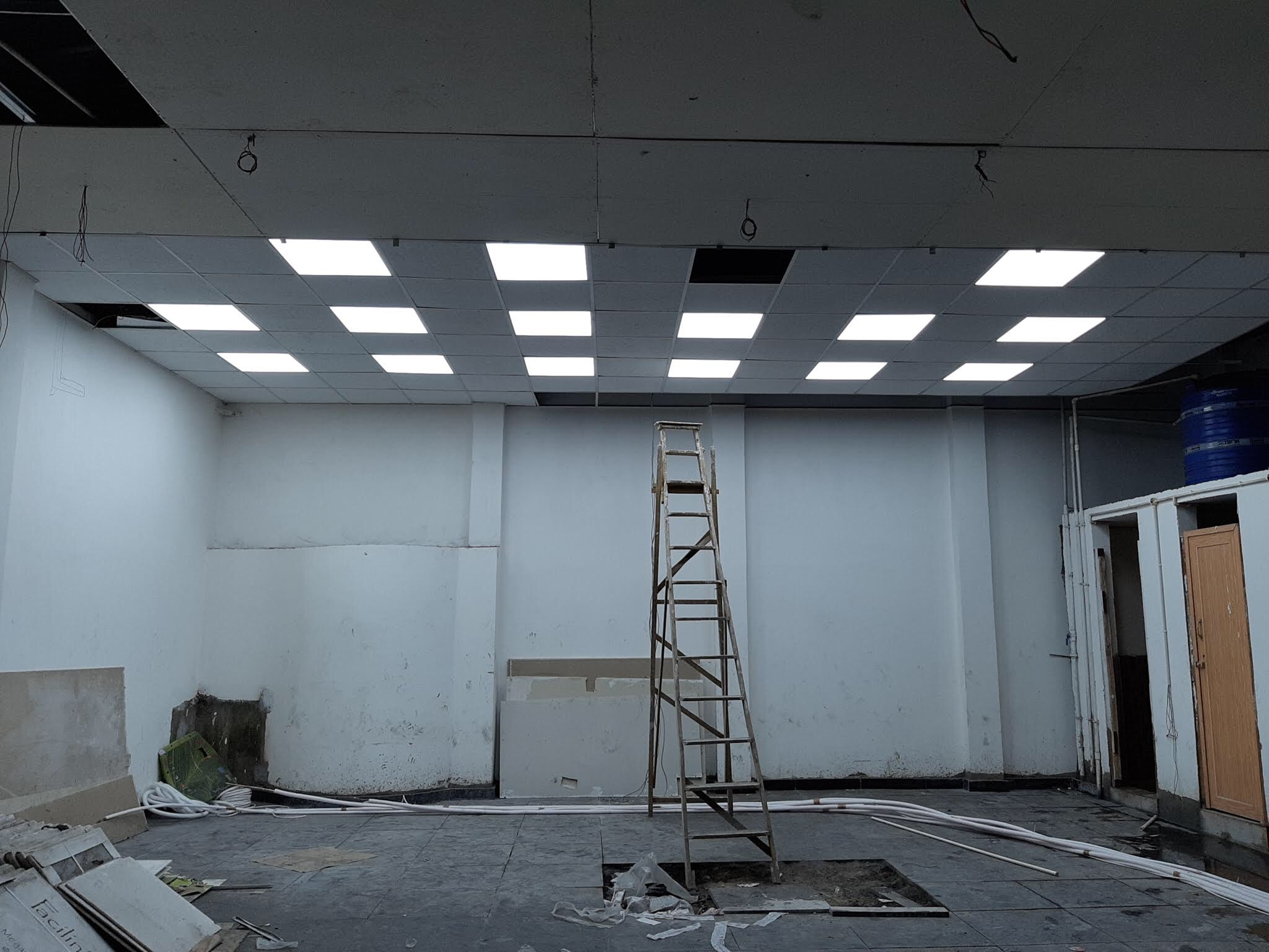 2/2 gride ceiling ,  Armstrong ceiling  , Gread ceiling ,Office Ceiling